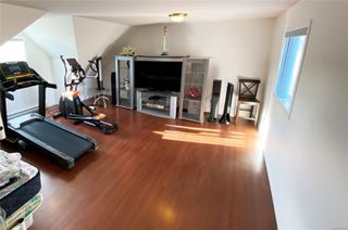 Photo 8: 2258 Stirling Pl in : CV Courtenay East House for sale (Comox Valley)  : MLS®# 854429