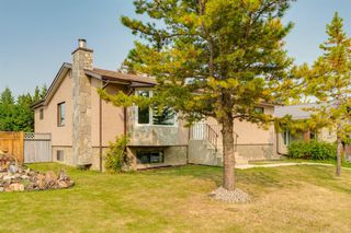 Photo 2: 204 FRONTENAC Avenue: Turner Valley Detached for sale : MLS®# A1033478