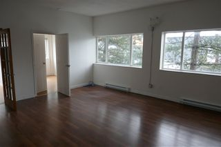 Photo 3: 38026 SECOND Avenue in Squamish: Downtown SQ Office for sale : MLS®# C8035446