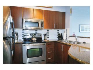 Photo 3: 304 2330 WILSON Avenue in Port Coquitlam: Central Pt Coquitlam Condo for sale : MLS®# V877984