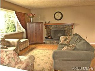 Photo 5: 2431 Sarah Pl in VICTORIA: Co Colwood Lake House for sale (Colwood)  : MLS®# 578149