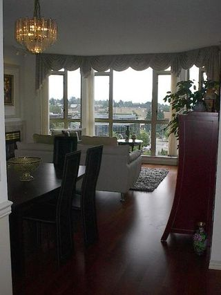 Photo 3: VIEW UNIT in prestigious Victoria Park West!