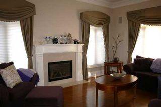 Photo 3: 236 Arnold Avenue in Vaughan: Crestwood-Springfarm-Yorkhill House (2 1/2 Storey) for sale : MLS®# N2267809