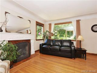 Photo 3: 2830 Admirals Rd in VICTORIA: SW Portage Inlet House for sale (Saanich West)  : MLS®# 683640