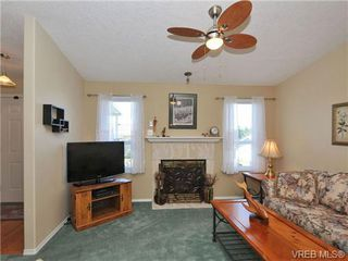 Photo 5: 40 Eagle Lane in VICTORIA: VR Glentana Manufactured Home for sale (View Royal)  : MLS®# 684761