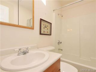 Photo 15: 40 Eagle Lane in VICTORIA: VR Glentana Manufactured Home for sale (View Royal)  : MLS®# 684761