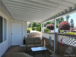 Photo 4: 40 Eagle Lane in VICTORIA: VR Glentana Manufactured Home for sale (View Royal)  : MLS®# 684761