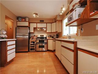 Photo 5: 4021 Hessington Place in VICTORIA: SE Arbutus Single Family Detached for sale (Saanich East)  : MLS®# 347204