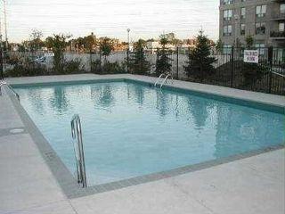 Photo 4: 319 1700 E Eglinton Avenue in Toronto: Victoria Village Condo for sale (Toronto C13)  : MLS®# C3232941