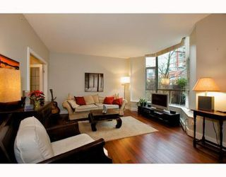 Photo 2: 1490 HORNBY Street in Vancouver West: Home for sale : MLS®# V803506
