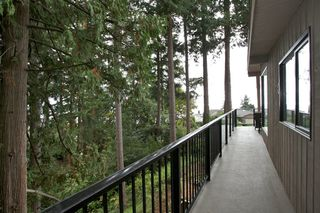 "Photo 29: 14221 WHEATLEY Avenue: White Rock House for sale in ""WEST WHITE ROCK"" (South Surrey White Rock)  : MLS®# R2007145"