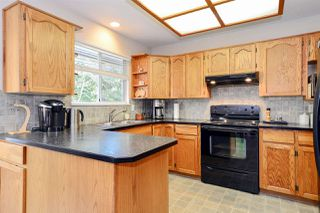 """Photo 5: 832 165 Street in Surrey: King George Corridor House for sale in """"McNally Creek"""" (South Surrey White Rock)  : MLS®# R2050214"""
