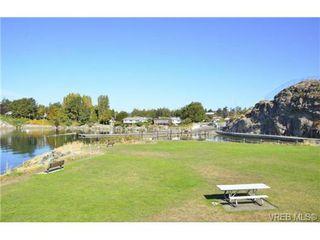 Photo 18: 472 Kinver St in VICTORIA: Es Saxe Point Half Duplex for sale (Esquimalt)  : MLS®# 729276