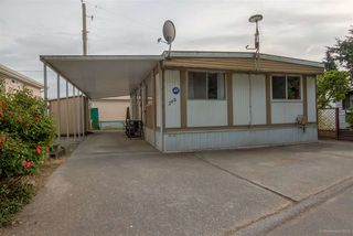 """Photo 2: 208 201 CAYER Street in Coquitlam: Maillardville Manufactured Home for sale in """"WILDWOOD PARK"""" : MLS®# R2073822"""