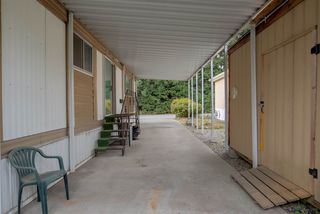 """Photo 3: 208 201 CAYER Street in Coquitlam: Maillardville Manufactured Home for sale in """"WILDWOOD PARK"""" : MLS®# R2073822"""