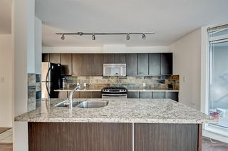 Photo 6: 905 6068 NO 3 Road in Richmond: Brighouse Condo for sale : MLS®# R2074106