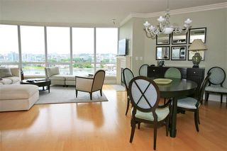 "Photo 9: 905 1328 MARINASIDE Crescent in Vancouver: Yaletown Condo for sale in ""THE CONCORD"" (Vancouver West)  : MLS®# R2134660"