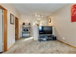 Photo 4: 372 Eugenie Street in Winnipeg: Norwood Residential for sale (2B)  : MLS®# 1703322