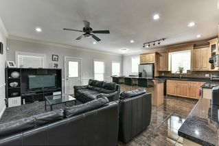 Photo 10: 6399 166 Street in Surrey: Cloverdale BC House for sale (Cloverdale)  : MLS®# R2151928