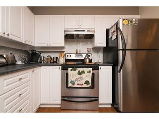 "Photo 5: 207 33731 MARSHALL Road in Abbotsford: Central Abbotsford Condo for sale in ""STEPHANIE PLACE"" : MLS®# R2162210"