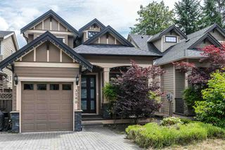 Photo 1: 3790 HOSKINS Road in North Vancouver: Lynn Valley House for sale : MLS®# R2187561