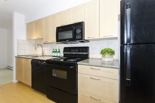"""Photo 4: 314 1503 W 65TH Avenue in Vancouver: S.W. Marine Condo for sale in """"The Soho"""" (Vancouver West)  : MLS®# R2203348"""