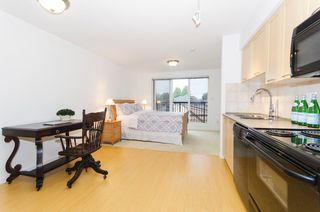 """Photo 2: 314 1503 W 65TH Avenue in Vancouver: S.W. Marine Condo for sale in """"The Soho"""" (Vancouver West)  : MLS®# R2203348"""