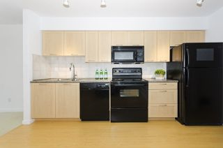 """Photo 5: 314 1503 W 65TH Avenue in Vancouver: S.W. Marine Condo for sale in """"The Soho"""" (Vancouver West)  : MLS®# R2203348"""