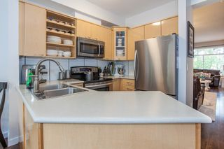 """Photo 12: 41 2678 KING GEORGE Boulevard in Surrey: King George Corridor Townhouse for sale in """"Mirada"""" (South Surrey White Rock)  : MLS®# R2203889"""