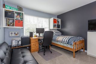 """Photo 15: 41 2678 KING GEORGE Boulevard in Surrey: King George Corridor Townhouse for sale in """"Mirada"""" (South Surrey White Rock)  : MLS®# R2203889"""