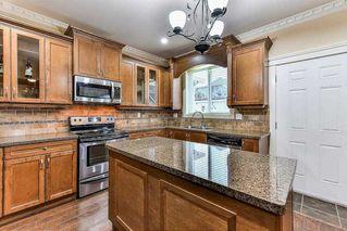 Photo 7: 6081 148 Street in Surrey: Sullivan Station House for sale : MLS®# R2217359