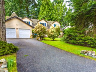 Photo 1: 3521 Oakridge Drive in Hammond Bay: House for sale : MLS®# 389439