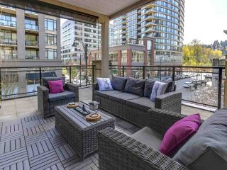 Photo 14: 321 101 MORRISSEY Road in Port Moody: Port Moody Centre Condo for sale : MLS®# R2262238