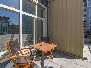 Photo 13: 321 101 MORRISSEY Road in Port Moody: Port Moody Centre Condo for sale : MLS®# R2262238