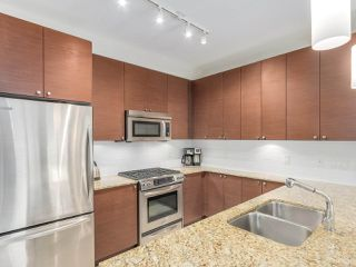 Photo 6: 321 101 MORRISSEY Road in Port Moody: Port Moody Centre Condo for sale : MLS®# R2262238