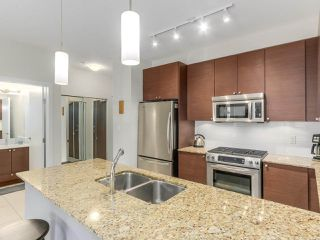 Photo 7: 321 101 MORRISSEY Road in Port Moody: Port Moody Centre Condo for sale : MLS®# R2262238