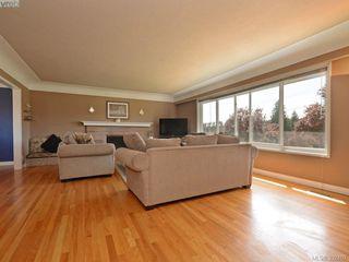 Photo 3: 1075 Gosper Cres in VICTORIA: Es Kinsmen Park Single Family Detached for sale (Esquimalt)  : MLS®# 788714