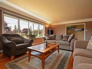 Photo 4: 1075 Gosper Cres in VICTORIA: Es Kinsmen Park Single Family Detached for sale (Esquimalt)  : MLS®# 788714