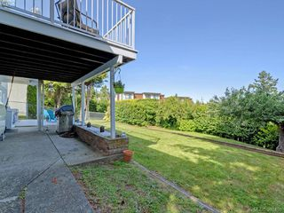 Photo 16: 1075 Gosper Cres in VICTORIA: Es Kinsmen Park Single Family Detached for sale (Esquimalt)  : MLS®# 788714