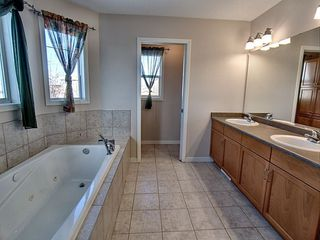 Photo 9: 16317 92 Street in Edmonton: Zone 28 House for sale : MLS®# E4138091