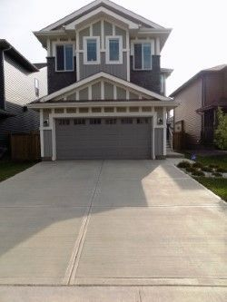 Main Photo: 17132 47 Street in Edmonton: Zone 03 House for sale : MLS®# E4140258