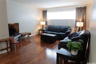 Photo 3: 111 Spinks Drive in Saskatoon: West College Park Residential for sale : MLS®# SK759377