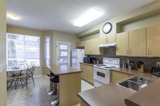 """Photo 10: 45 15 FOREST PARK Way in Port Moody: Heritage Woods PM Townhouse for sale in """"DISCOVERY RIDGE"""" : MLS®# R2347270"""