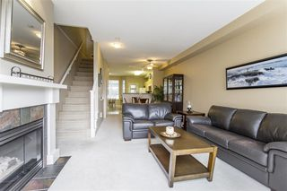 """Photo 3: 45 15 FOREST PARK Way in Port Moody: Heritage Woods PM Townhouse for sale in """"DISCOVERY RIDGE"""" : MLS®# R2347270"""