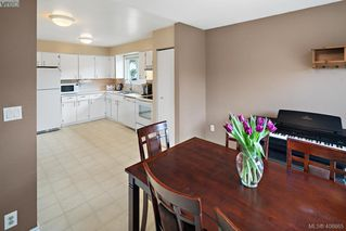 Photo 9: 2826 Santana Drive in VICTORIA: La Goldstream Single Family Detached for sale (Langford)  : MLS®# 406865