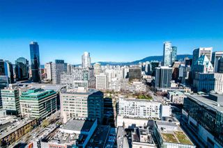 "Photo 13: 2811 833 SEYMOUR Street in Vancouver: Downtown VW Condo for sale in ""CAPITOL RESIDENCE"" (Vancouver West)  : MLS®# R2357159"
