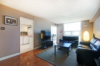 Photo 6: 703 20 Harding Boulevard in Richmond Hill: Harding Condo for sale : MLS®# N4428687