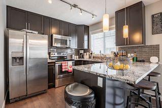 Photo 2: 10 13810 166 Avenue in Edmonton: Zone 27 Townhouse for sale : MLS®# E4157253
