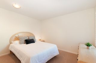 """Photo 13: 23 16888 80 Avenue in Surrey: Fleetwood Tynehead Townhouse for sale in """"STONECROFT"""" : MLS®# R2371189"""