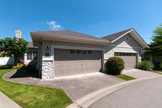 """Photo 2: 23 16888 80 Avenue in Surrey: Fleetwood Tynehead Townhouse for sale in """"STONECROFT"""" : MLS®# R2371189"""